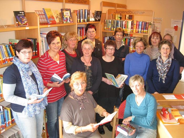 Bücherei Irmgarteichen mit sehenswerten Angeboten – Regina Wagner leitet Bücherei mit 13 Mitarbeiterinnen