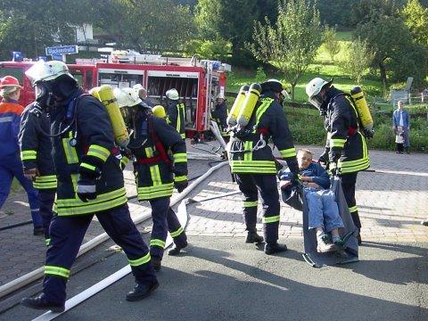 Großübung der Feuerwehren Irmgarteichen, Hainchen, Gernsdorf sowie DRK Irmgarteichen