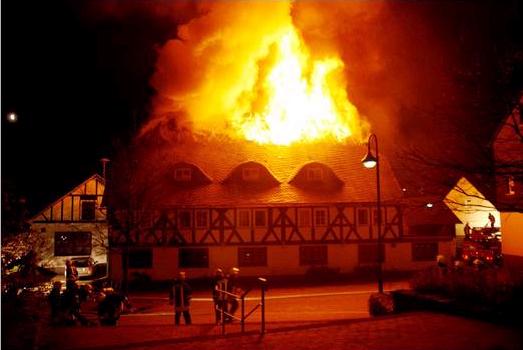 Gasthof Ley wird ein Raub der Flammen