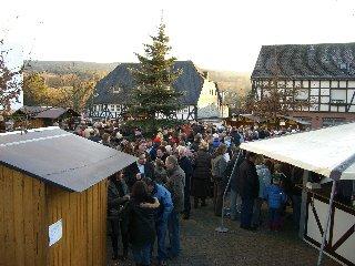 Weihnachtsmarkt rund um die Pfarrkirche