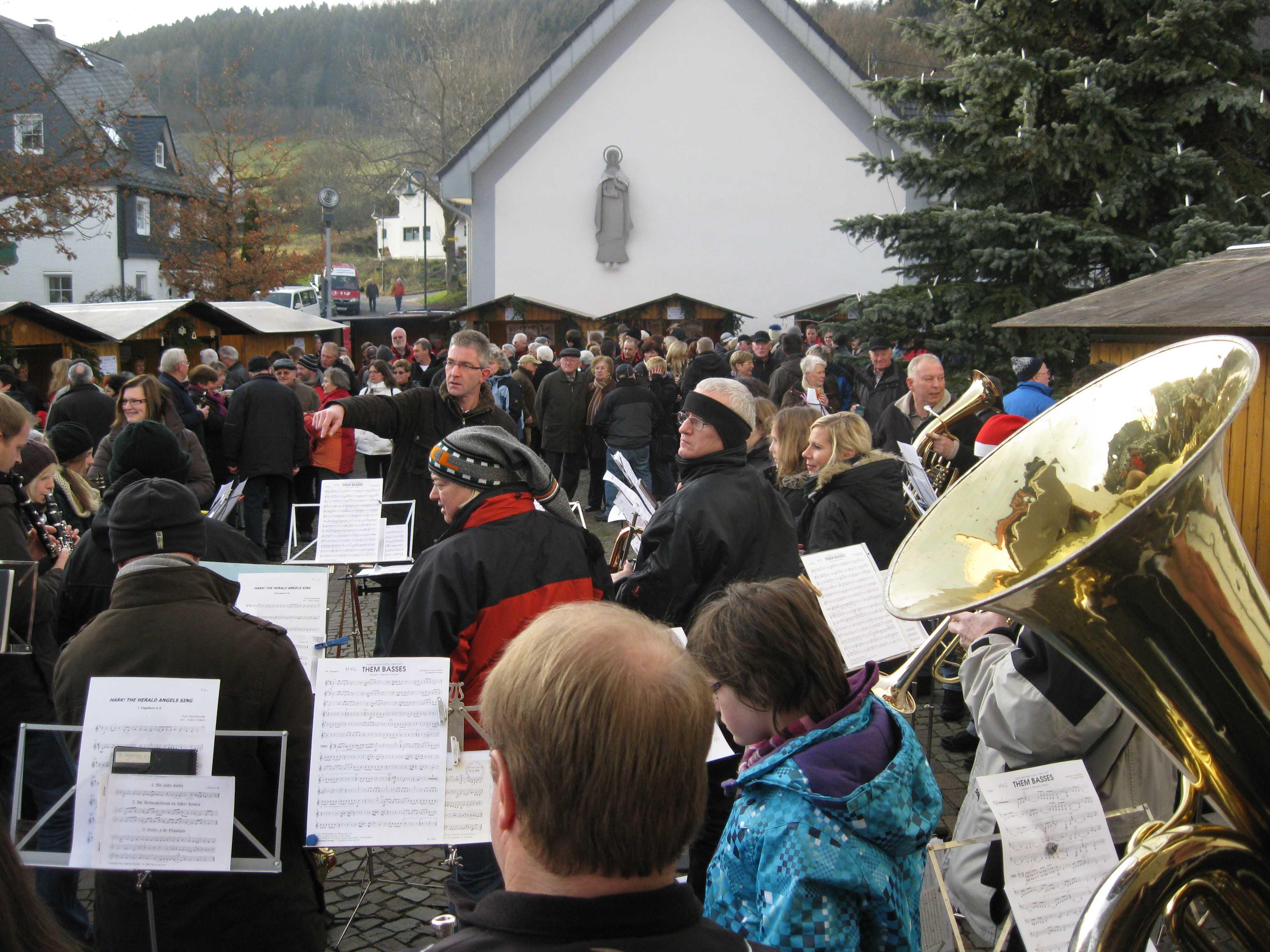 32. Weihnachtsmarkt lockte viele Besucher