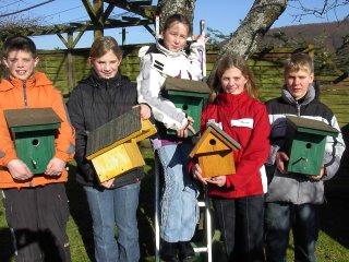 Kindergruppe baute Nistkästen