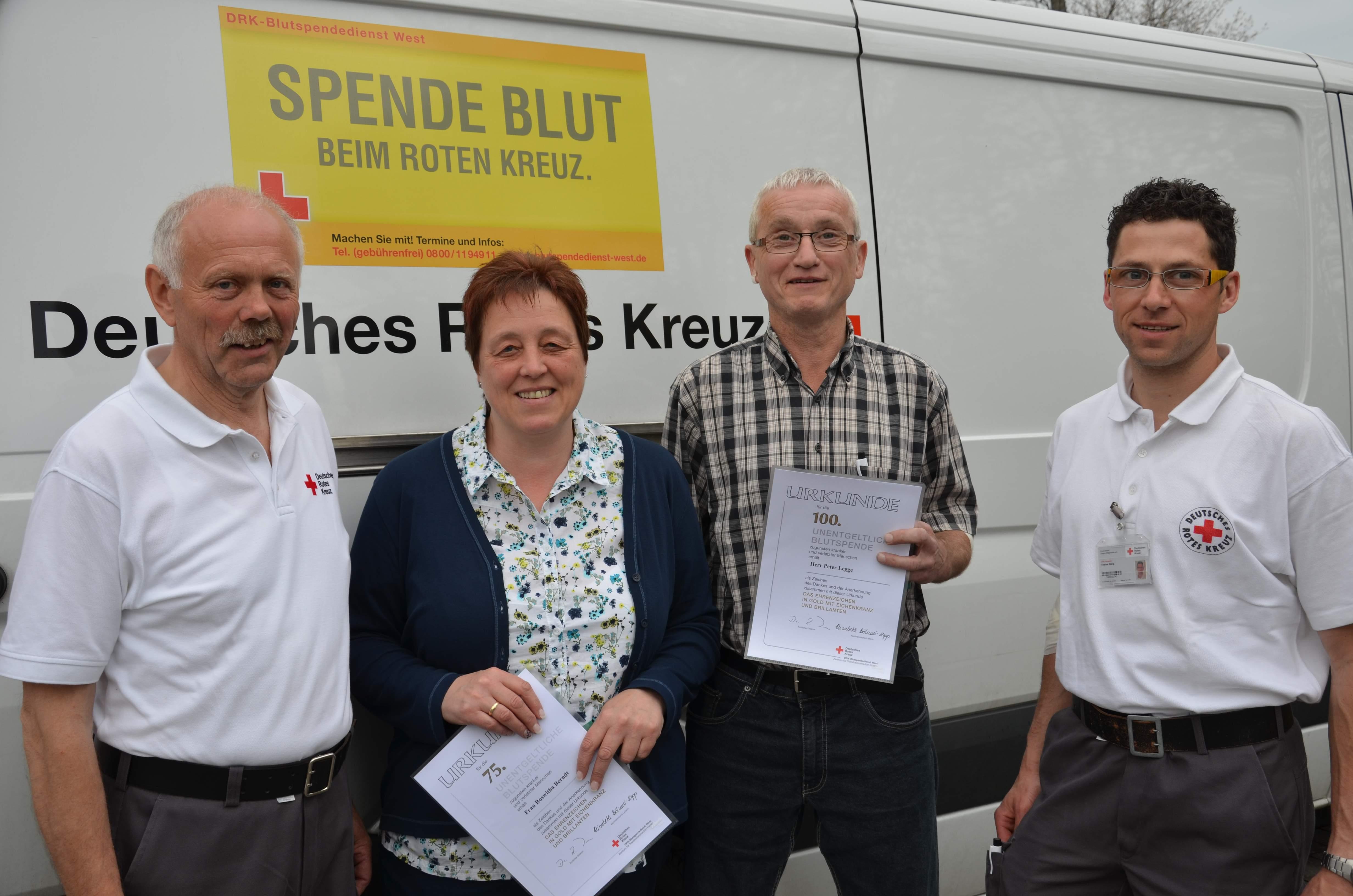 """144 Spender im Haus """"Cäcilia"""" – Peter Legge für 100. Blutspende ausgezeichnet"""