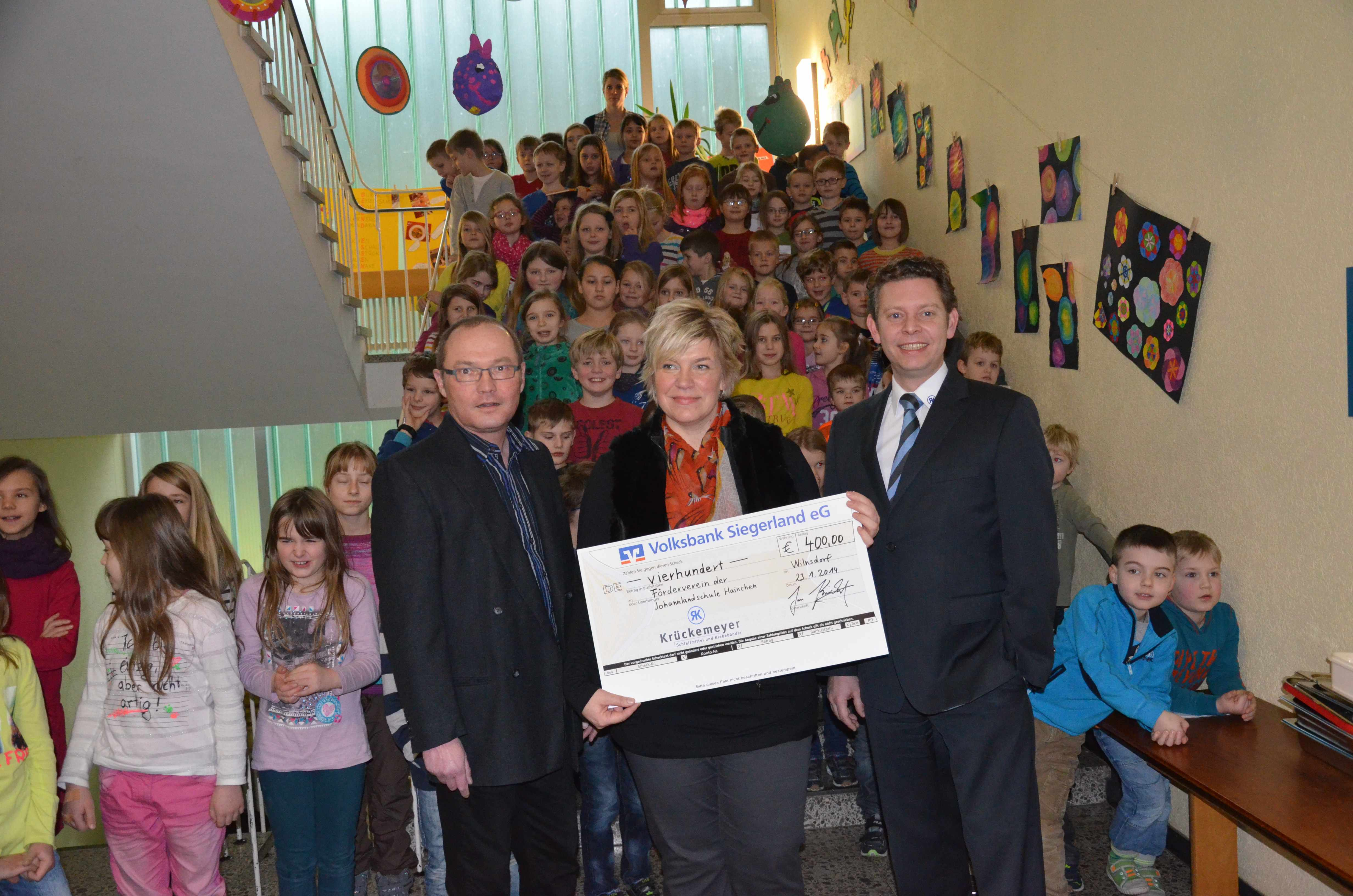 Glücksgriff für die Johannlandschule Hainchen – Firma Krückemeyer spendet 400 Euro aus Weihnachtstombola