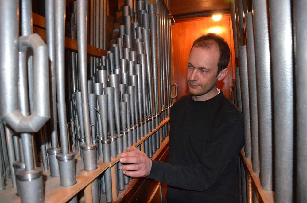 Erneuerung der Schleifenzugmotore an der Irmgarteichener Orgel