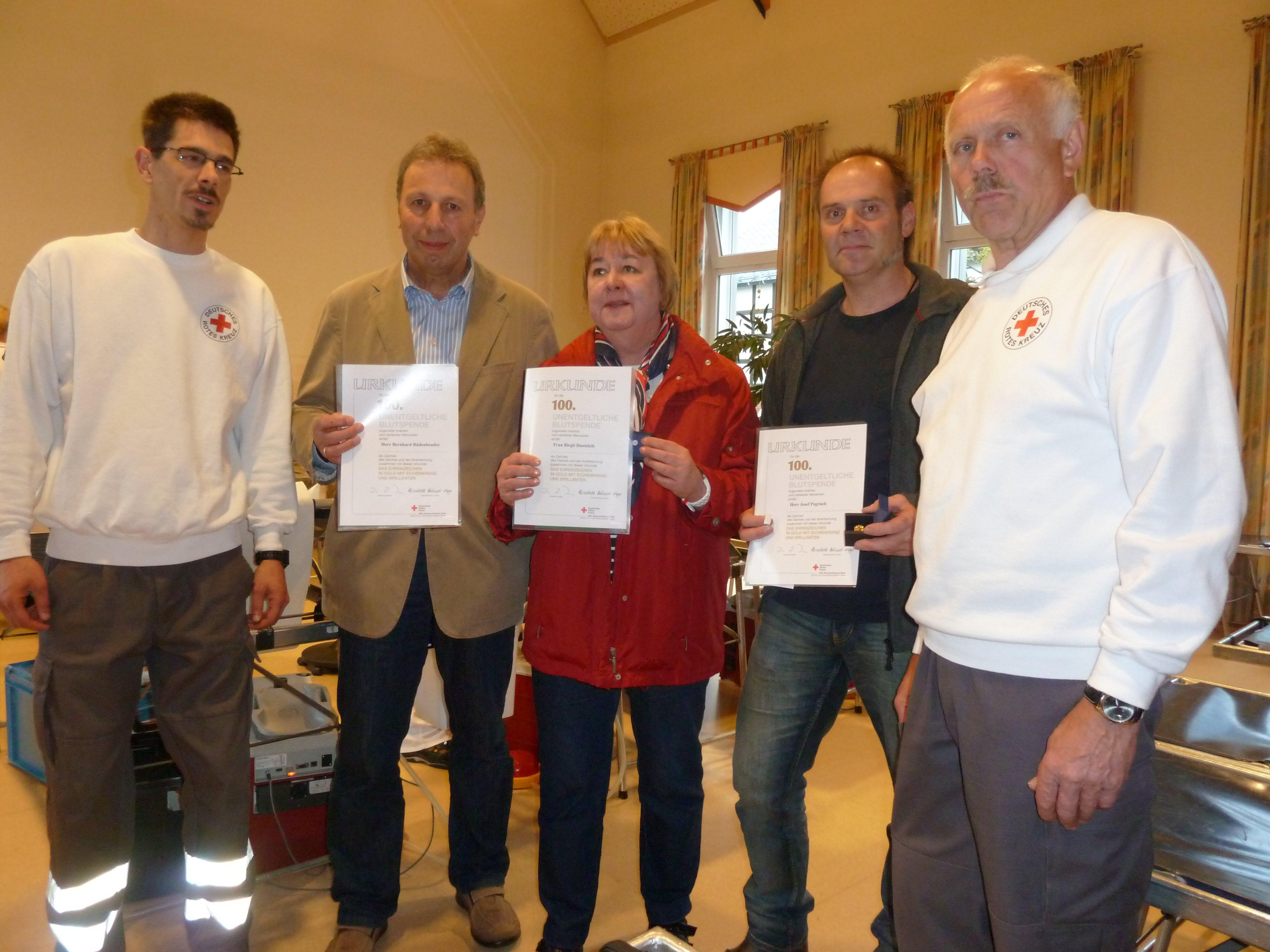 160 Blutspender kamen ins Haus Cäcilia