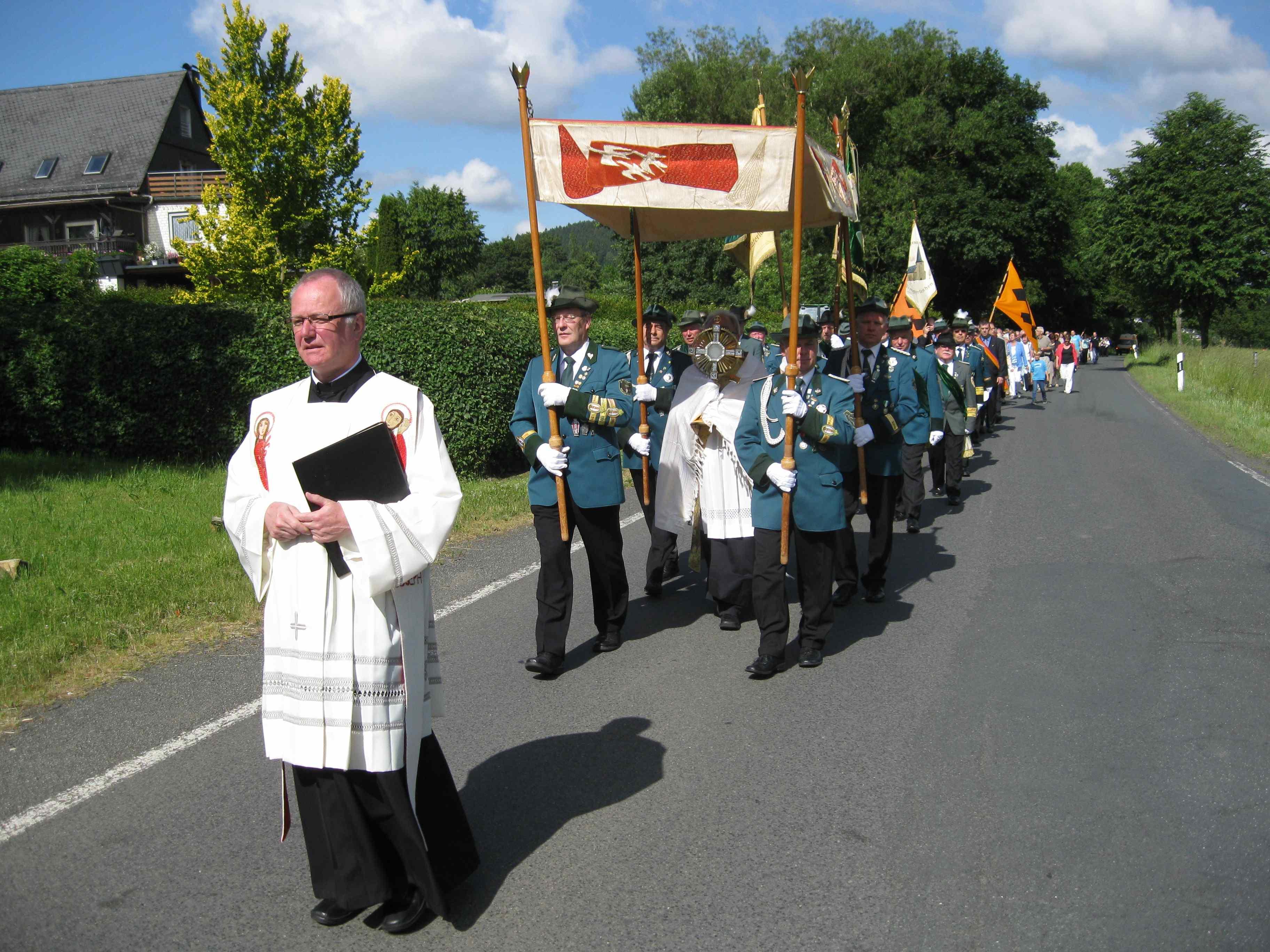 Traditionelle Dreifaltigkeitsprozession im Johannland