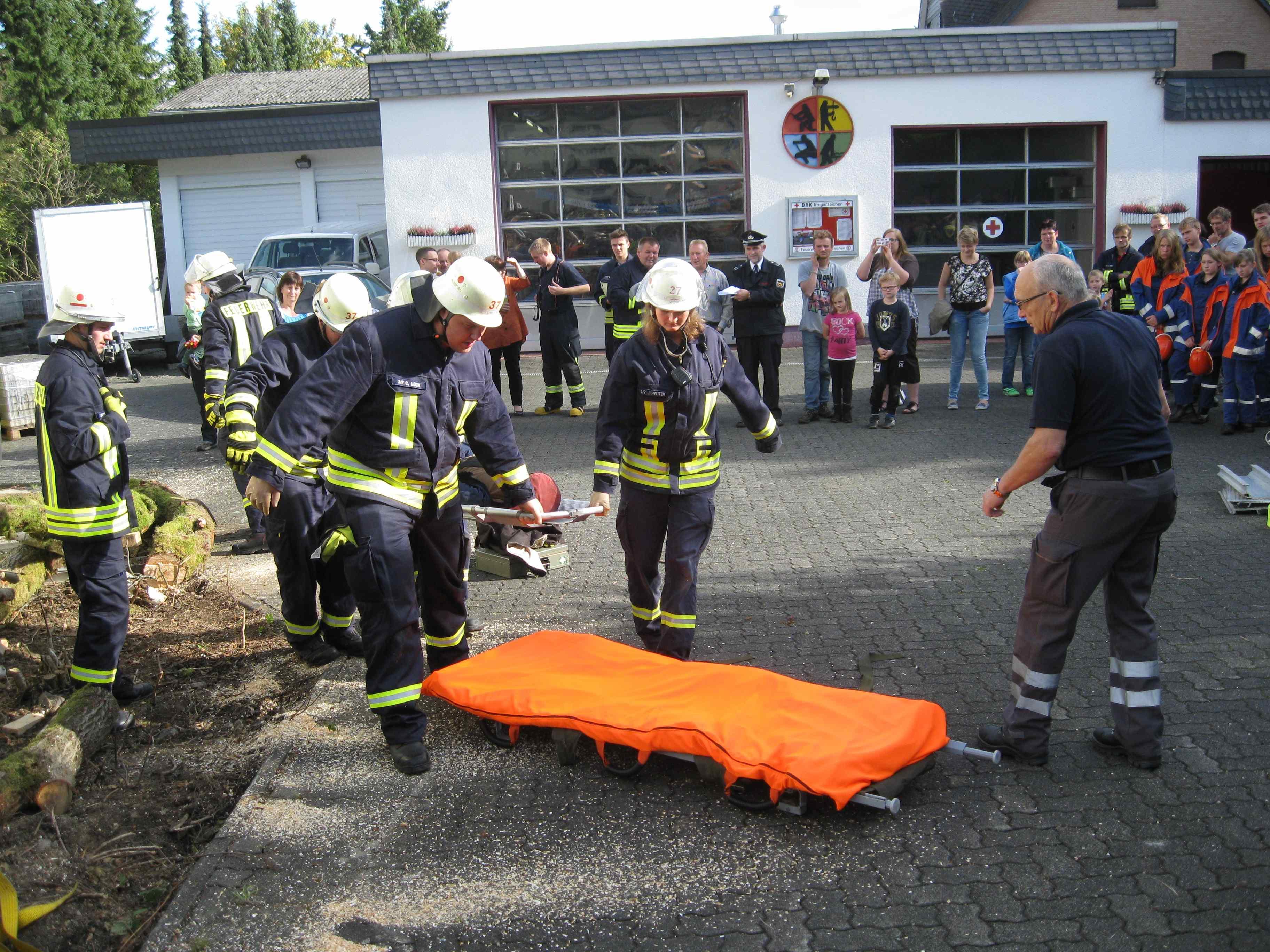 Wohnhausbrand am Lindenhof – Feuerwehr und DRK übten Hand in Hand