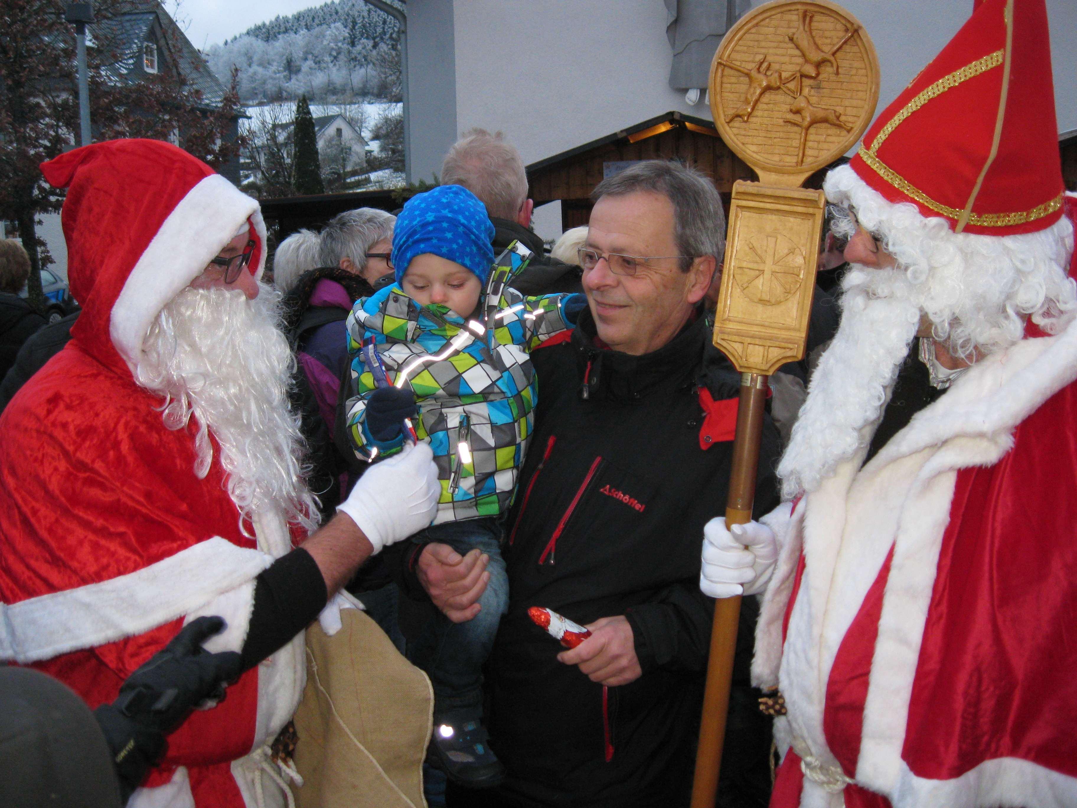 35. Weihnachtsmarkt lockte zahlreiche Besucher