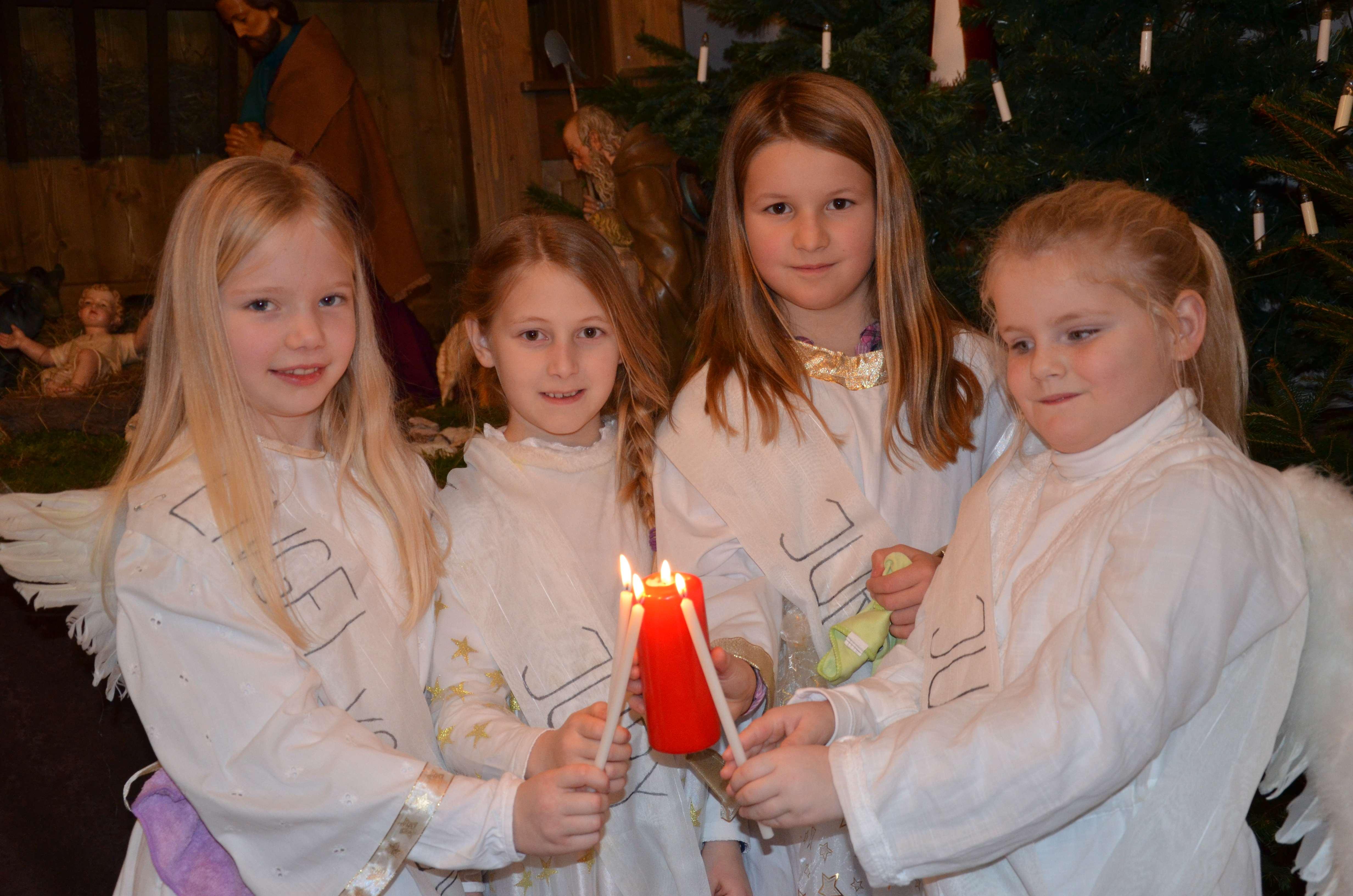 """""""Hoffnung schenken – Frieden finden"""" Friedenslicht leuchtet an den Krippen der Kirchen"""