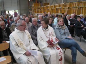 Gottesdienst in der Fabrikhalle der Firma Günther – Kirche und Arbeitswelt – Arbeit ist das halbe Leben
