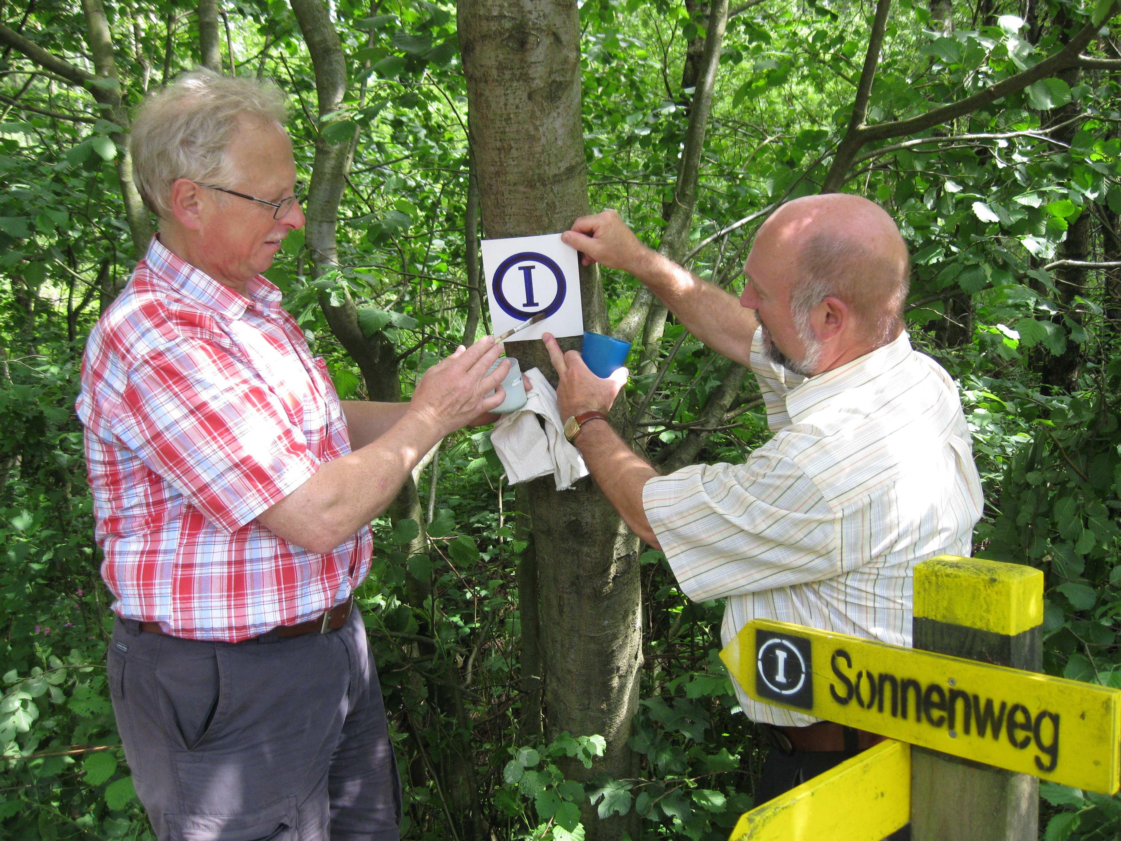 Orientierung für Wanderer bieten Verein kümmert sich um Pflegearbeiten