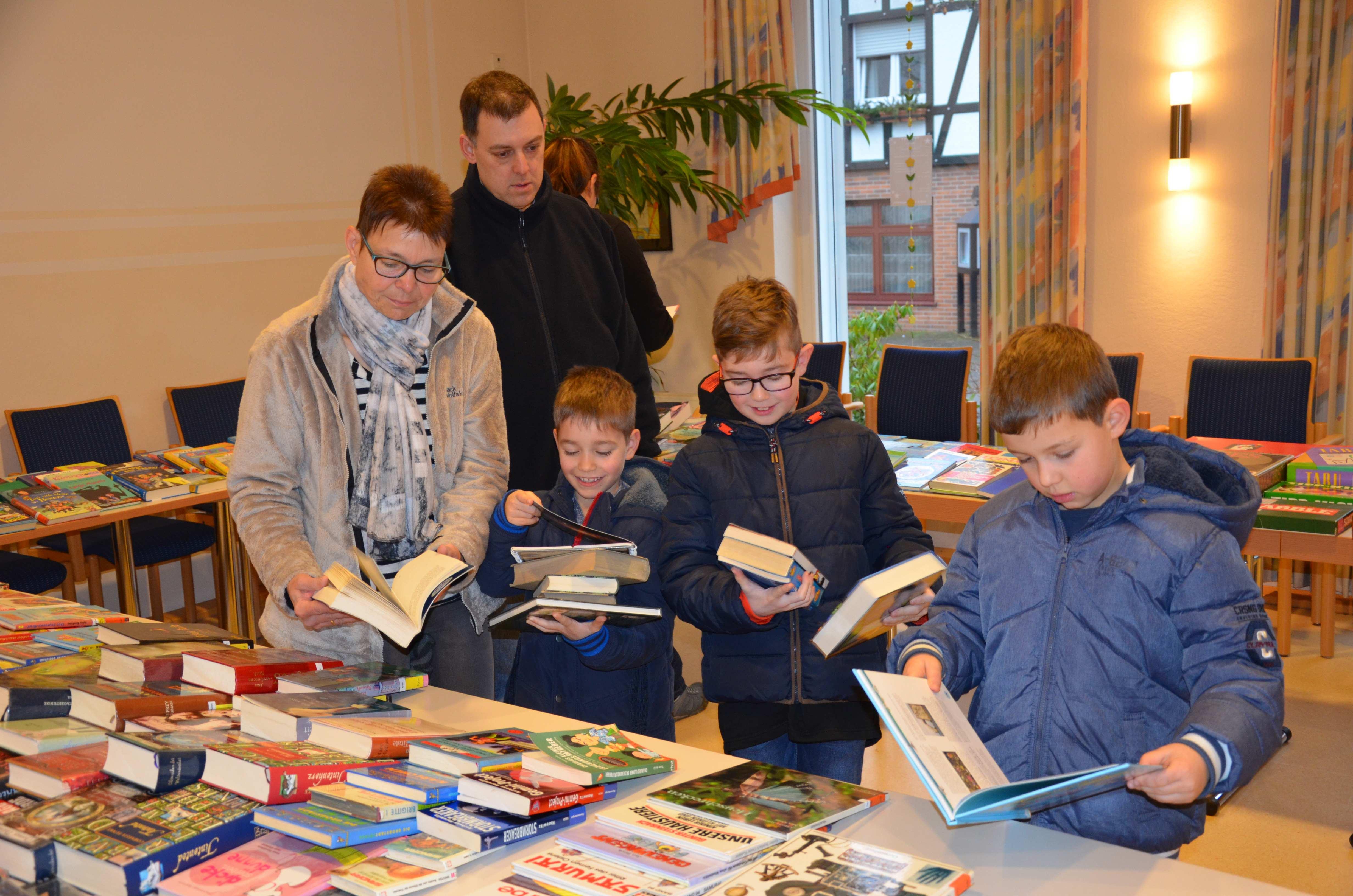 Bücherflohmarkt im Haus Cäcilia
