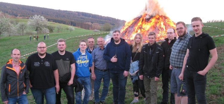Gemeinsam für Irmgarteichen – Osterfeuer an neuem Standort oberhalb der Glockenstraße